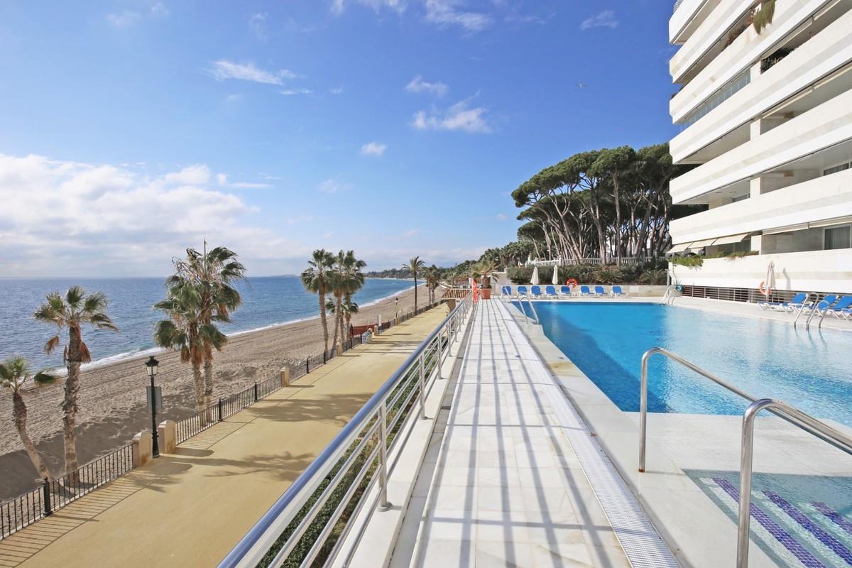 Marbella Banus Apartamento Planta Media en Venta en Marbella – R3704072
