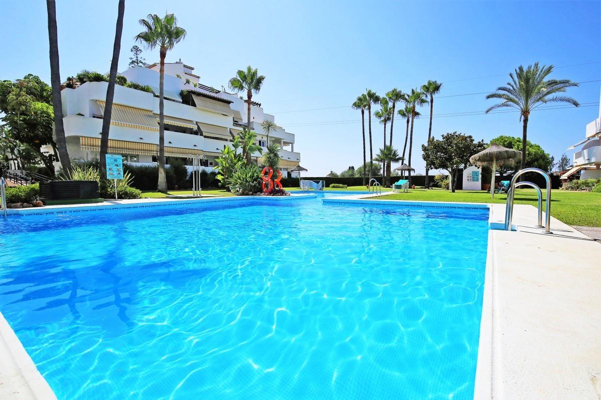 Marbella Banus Ático en Venta en The Golden Mile – R3704168