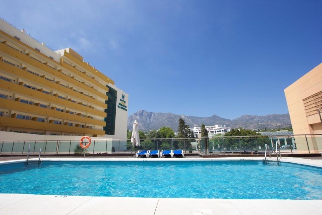 Marbella Banus Apartamento Planta Media en Venta en Marbella – R3704438
