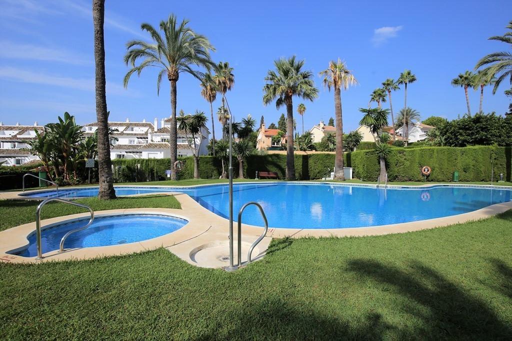 Marbella Banus Apartamento Planta Media en Venta en Nueva Andalucía – R3703751
