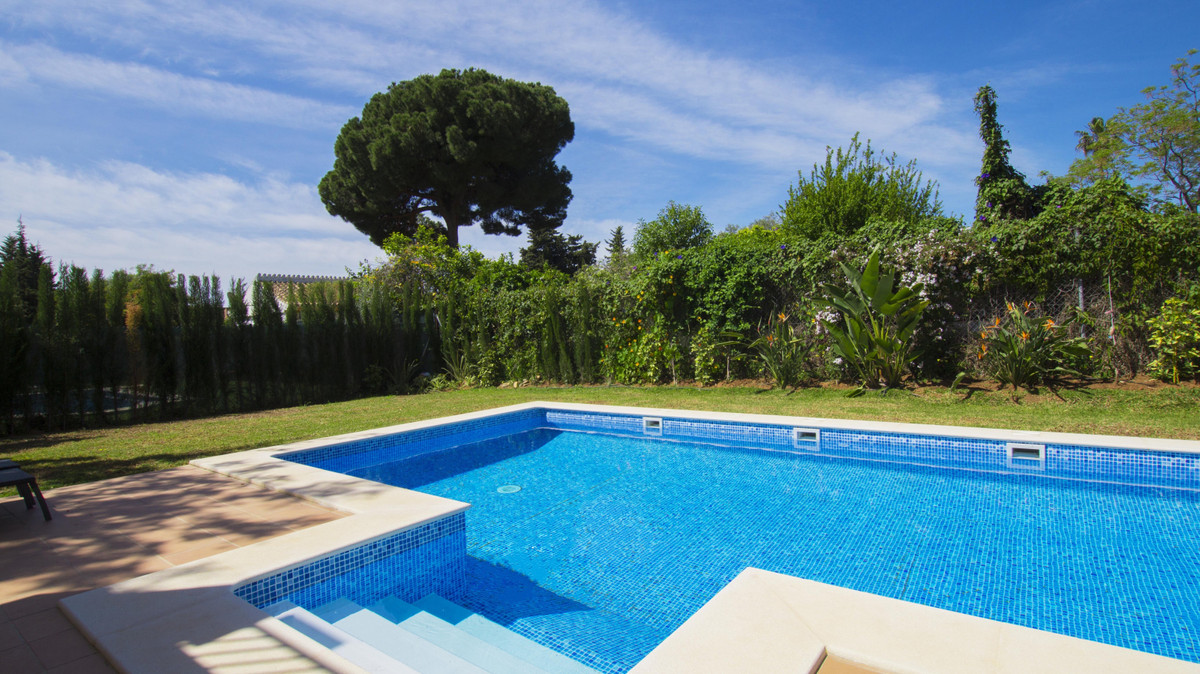 Spacious villa with noble and stylish atmosphere proposes you:  • 5 bedrooms • 3 bathrooms • Fully-e, Spain