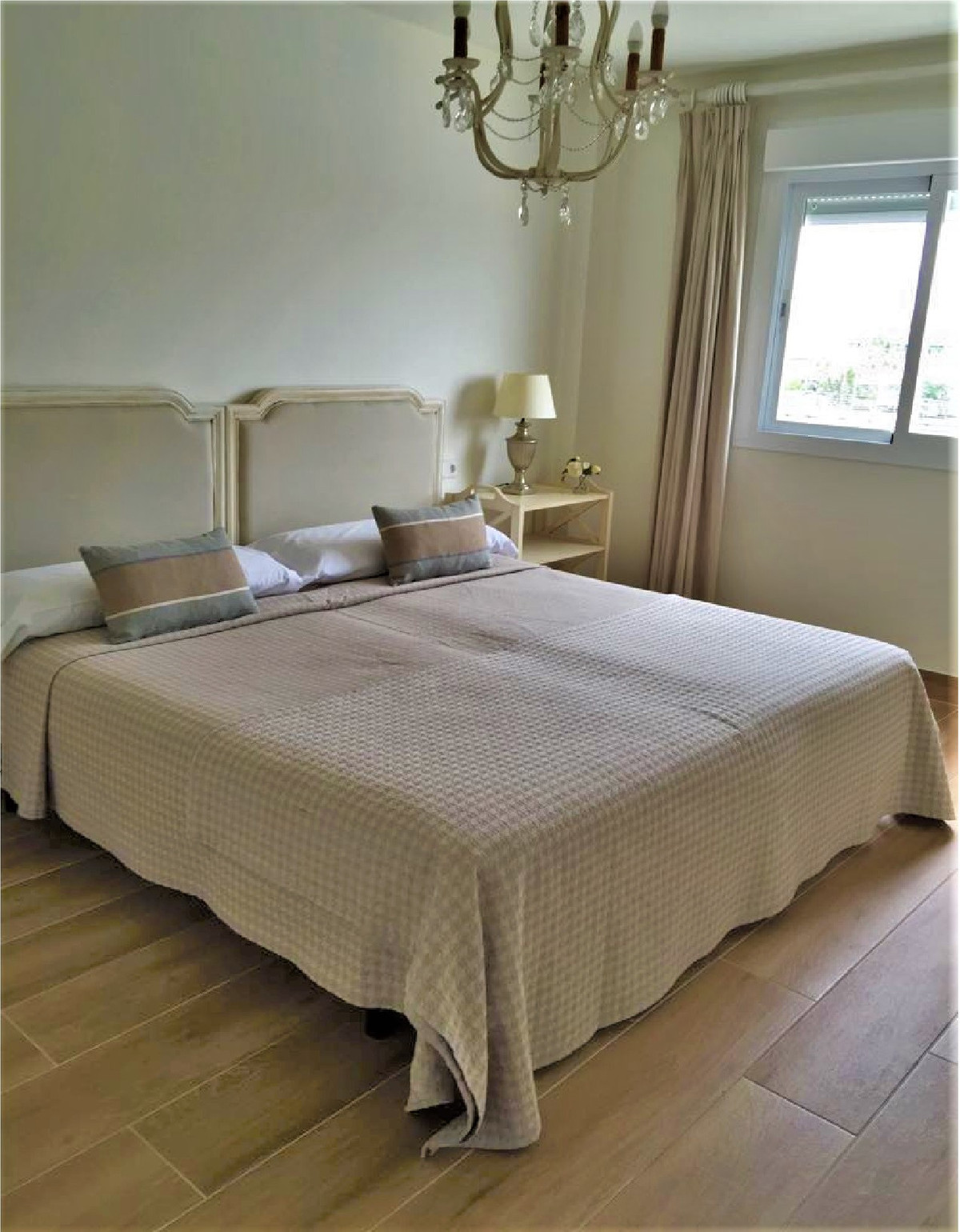 3 Bedroom Middle Floor Apartment For Sale San Pedro de Alcántara