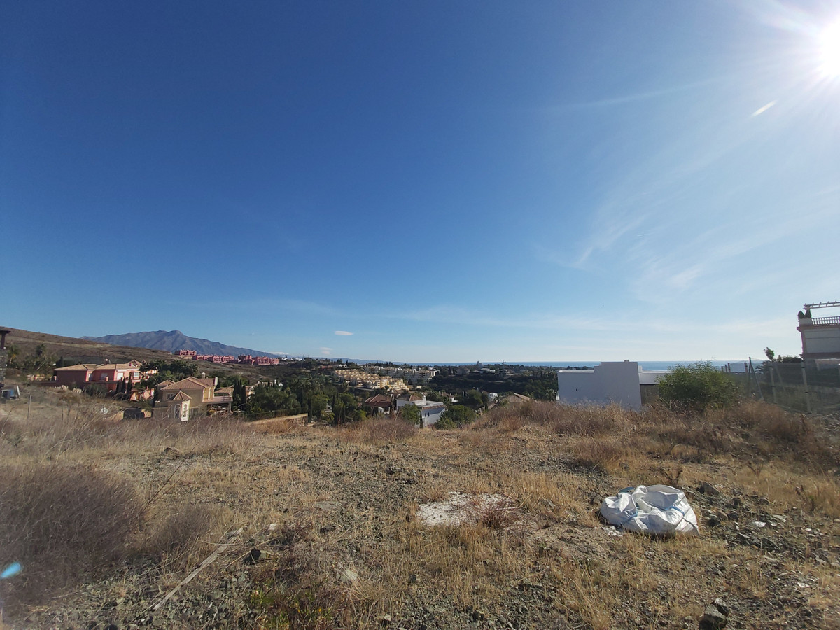 Amazing plot of 1300 M2, located in the exclusive urbanization of Los Flamingos, Benahavis. This plo, Spain