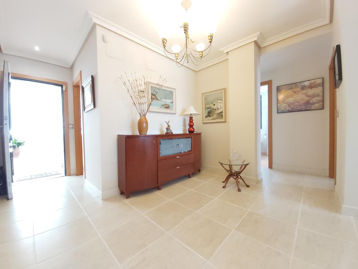 Apartamento Planta Baja en Venta en Selwo – R3619928