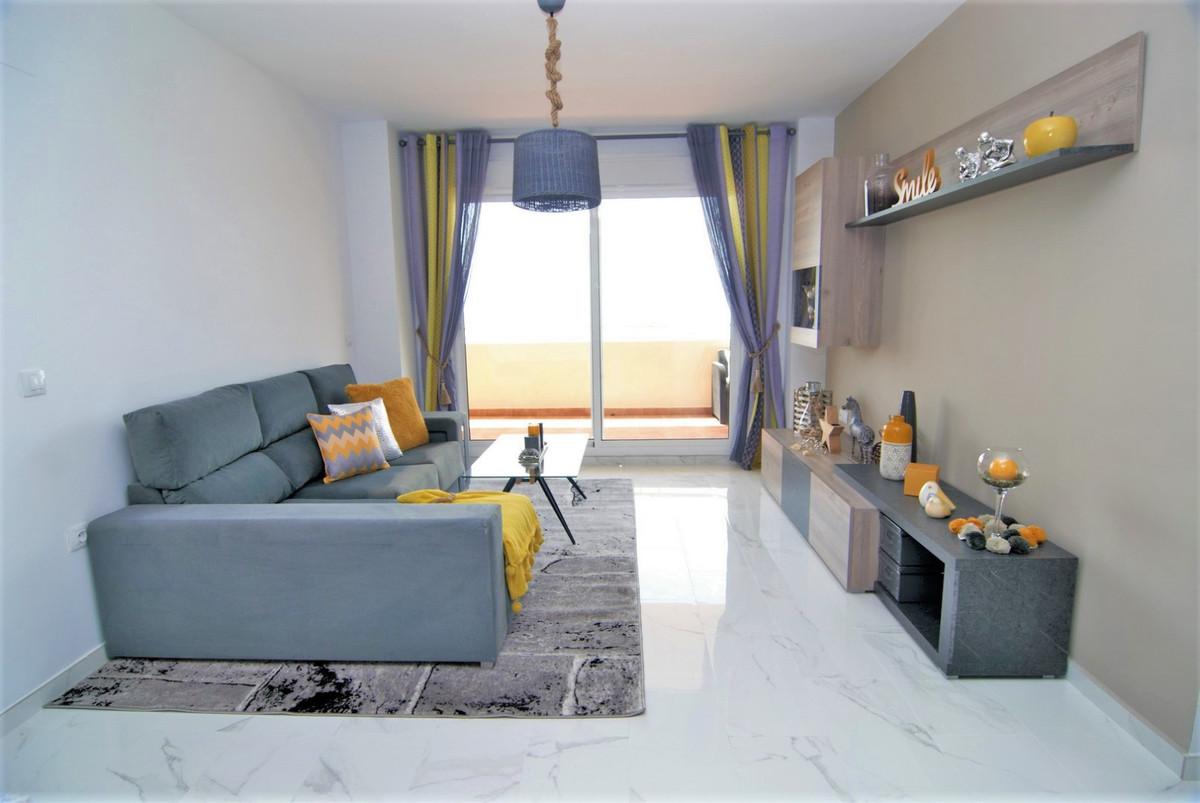 Apartamento Planta Media en Venta en Calahonda – R3364846