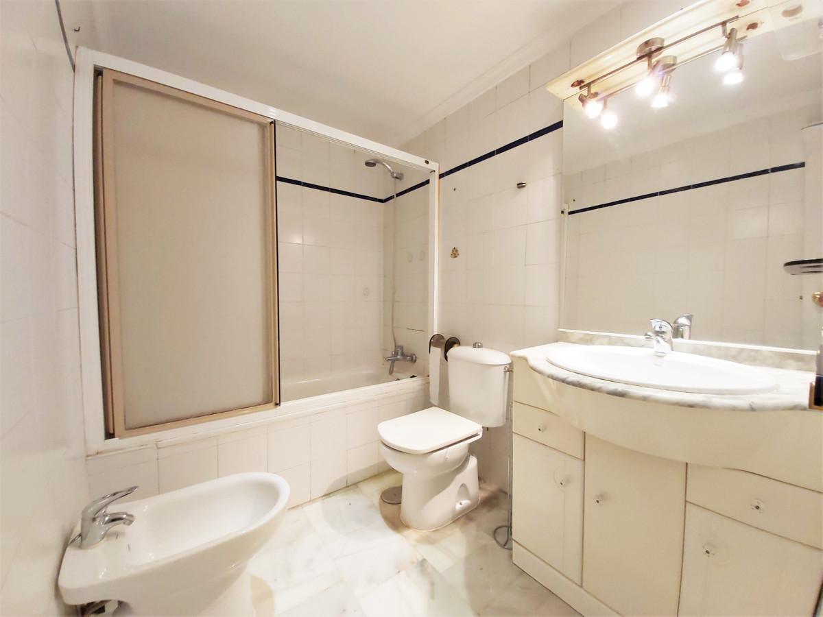 Apartamento en Venta en Marbella – R3367006