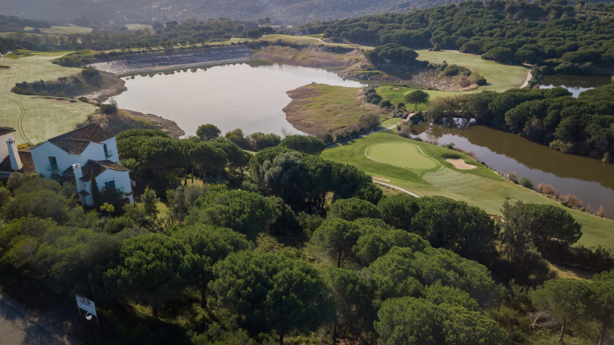 """We offers you this fantastic plot, on the first line of the """"San Roque Club"""" golf course. ,Spain"""