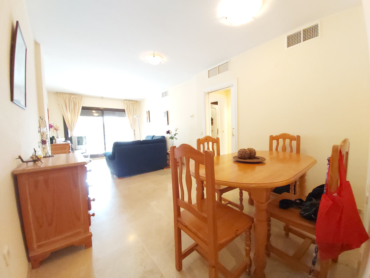 FOR SALE Beautiful apartment with 2 bedrooms and 2 bathrooms, with kitchen with the possibility of o,Spain
