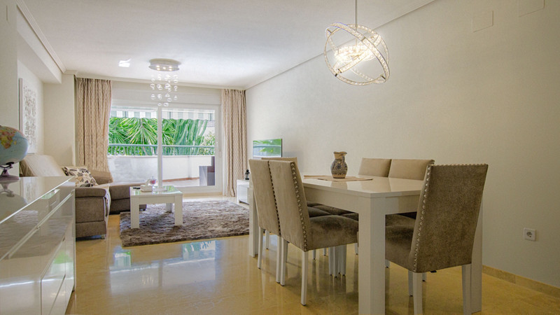 Apartments for sale in Guadalmina 21