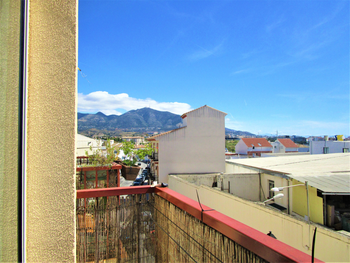 Apartment with very good distribution near all walking.   67 m2 of constructed area, 1.5 m2 of terra,Spain