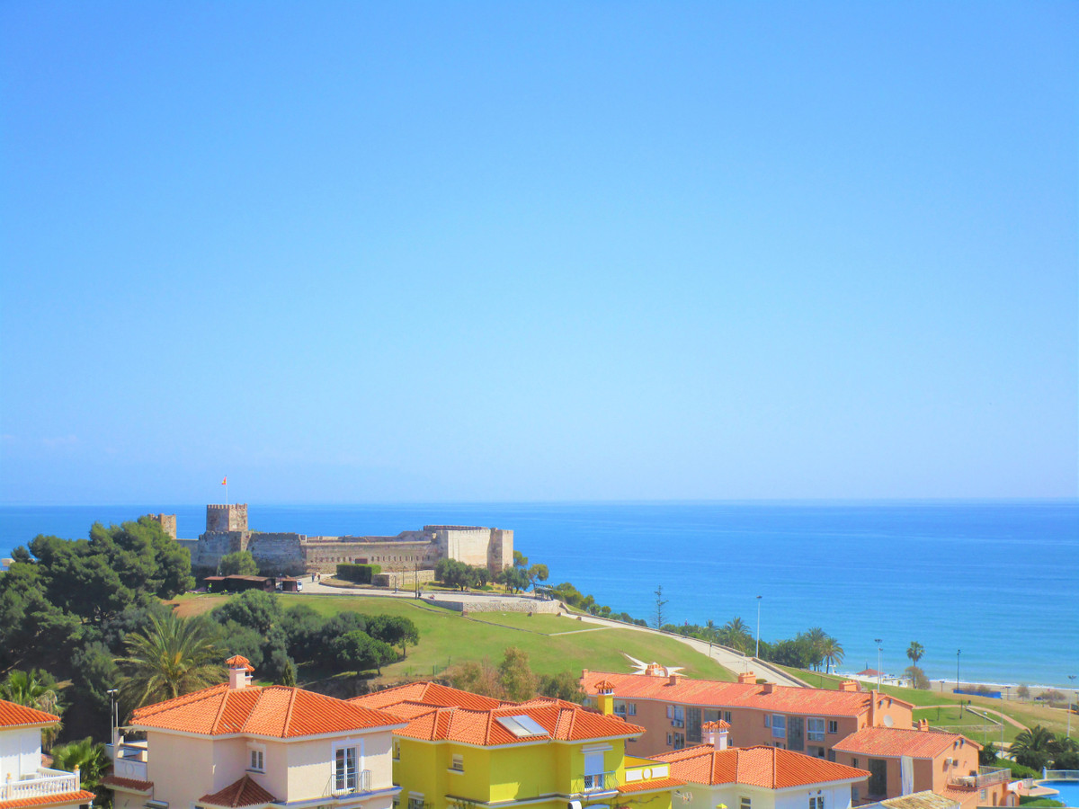 Middle Floor Apartment for sale in Fuengirola R3386053