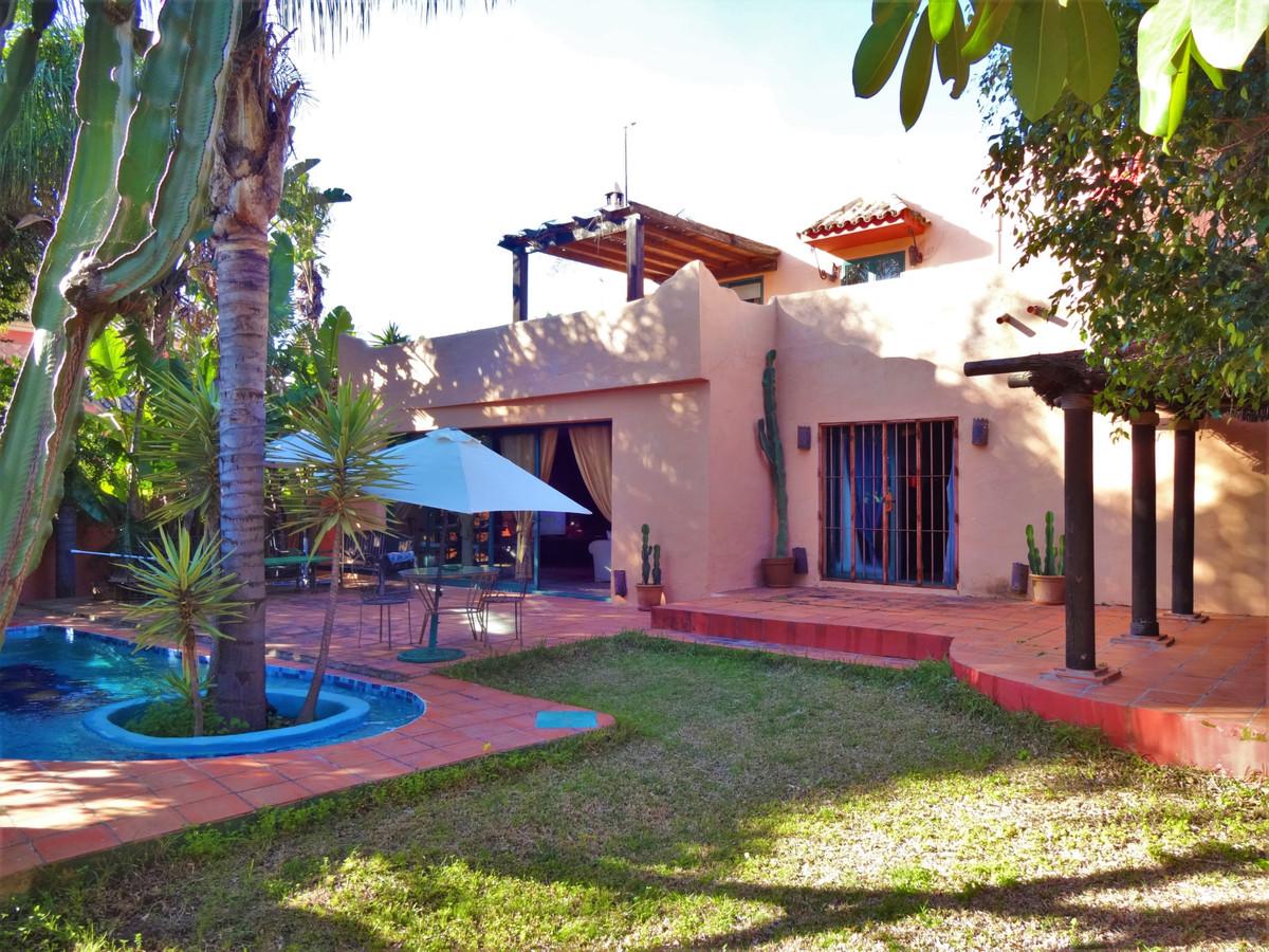 Marbella Banus Villa zu verkaufen in Nagueels – R3541222