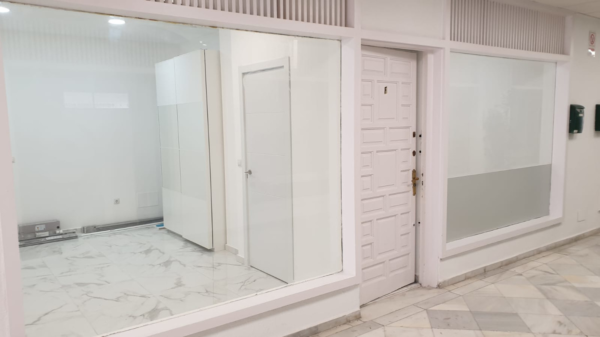 1 bedroom commercial for sale marbella