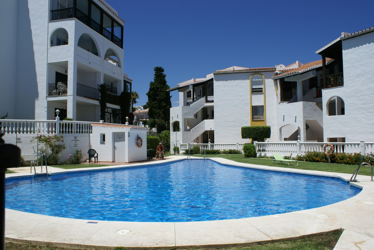 EXCELLENT LOCATION. Situated just a short walk to the beach is this well positioned ground floor apa, Spain