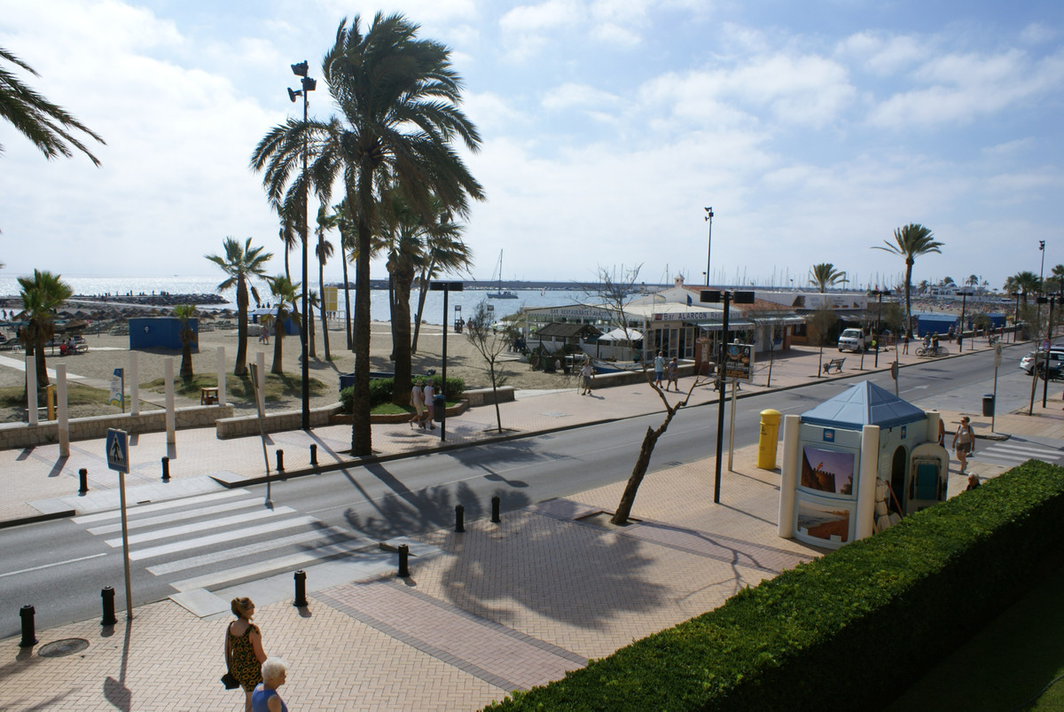 Middle Floor Apartment for sale in Fuengirola R3510643