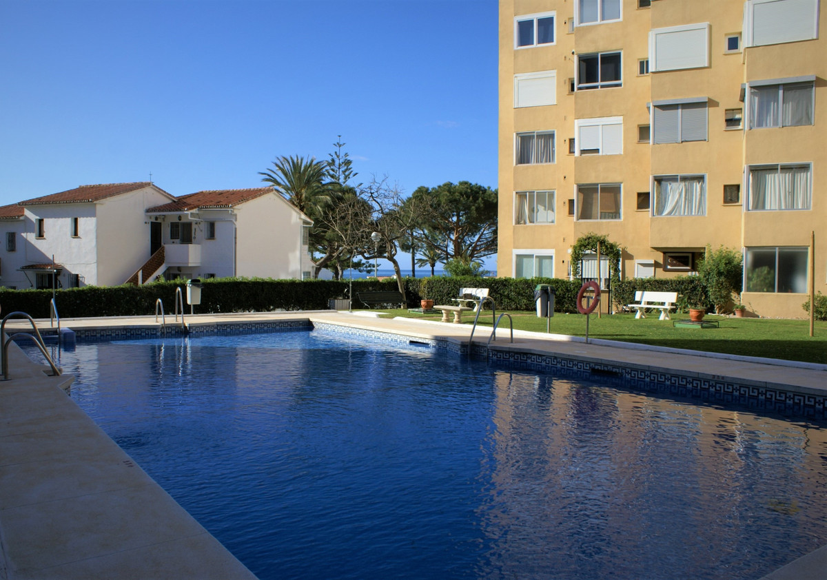 A compact and perfectly proportioned studio apartment with covered terrace boasting panoramic south/,Spain