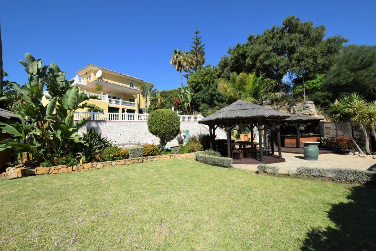 Marbella Banus Villa – Chalet en Venta en Hacienda Las Chapas – R3735166