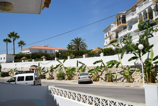 Well presented apartment in El Faro 10 minutes walk to the beach with local bars and restaurants. On, Spain