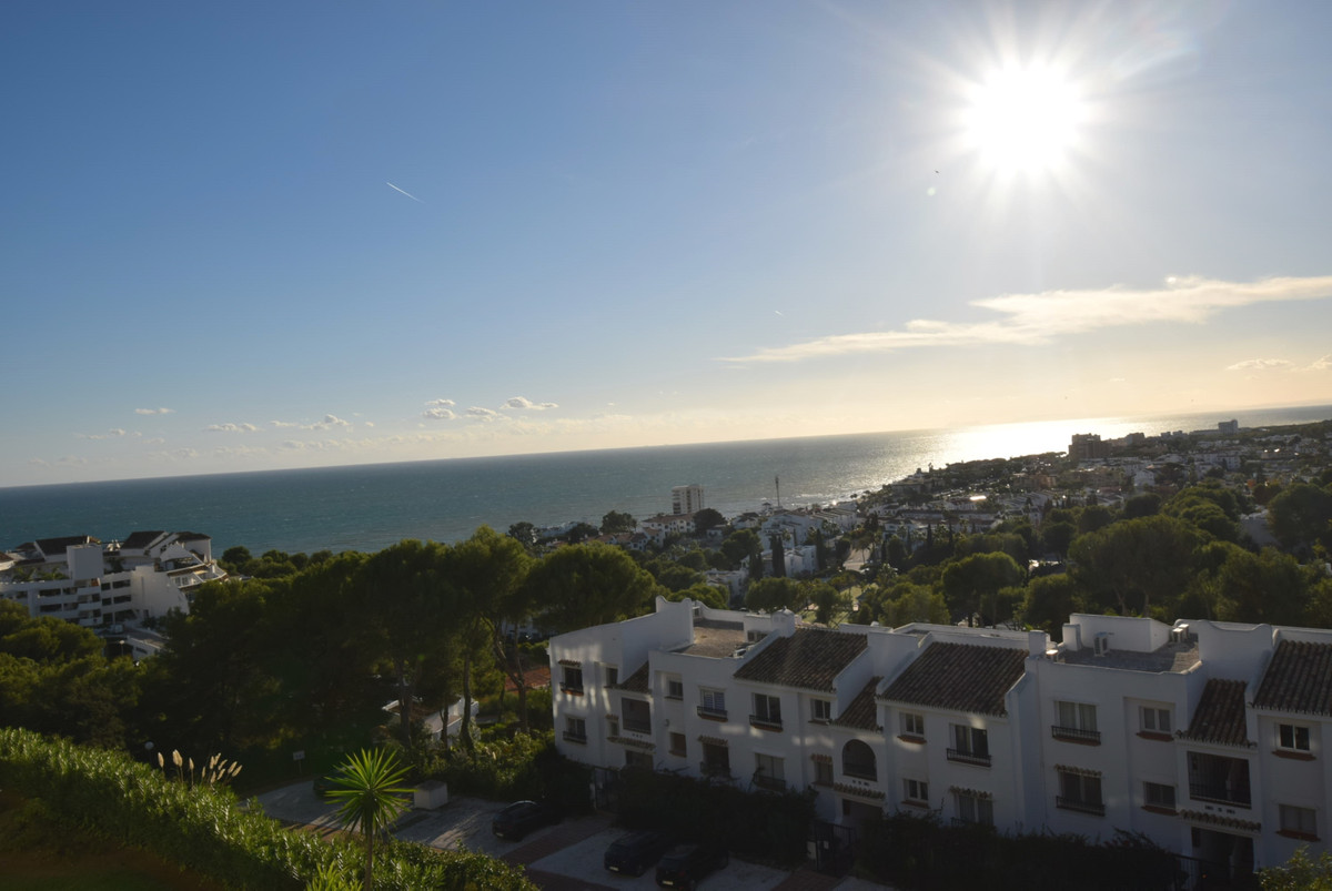 Spectacular sea views to Gibraltar and Africa from this top floor studio apartment in the prestigiou, Spain