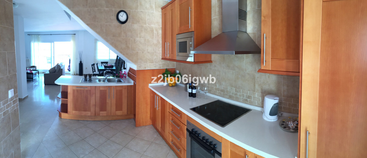 Apartment in Alhaurín de la Torre R3378196 9
