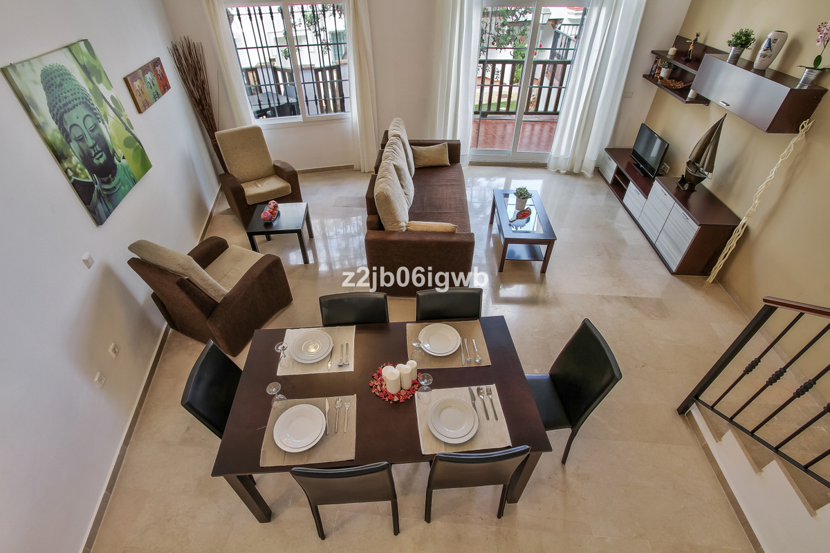 Apartment in Alhaurín de la Torre R3377881 3