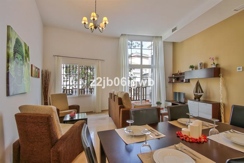 Marbella Banus Apartamento Planta Baja en venta en Alhaurín de la Torre – R3377881