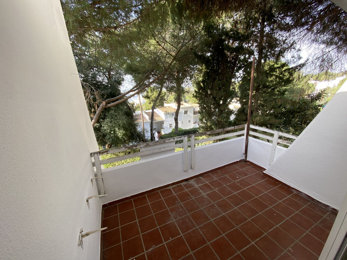 R3506413 | Top Floor Apartment in Estepona – € 85,000 – 1 beds, 1 baths
