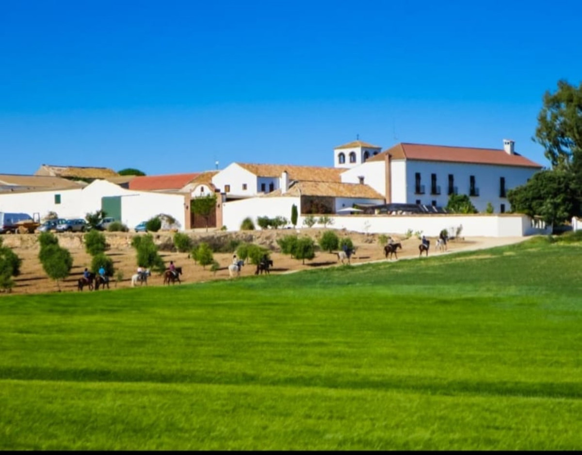 Hotel for sale in Antequera R3886348