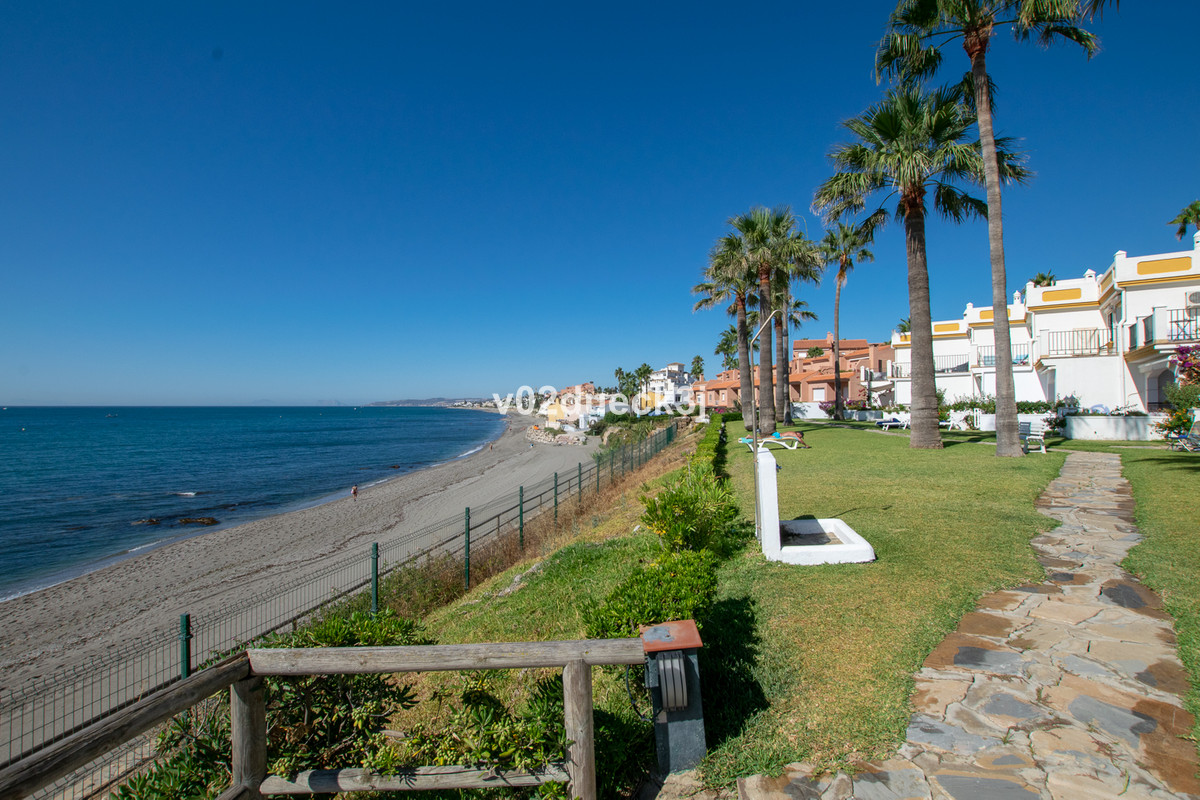 A newly renovated apartment in a beautiful location just a few steps from the beach and only two kil,Spain