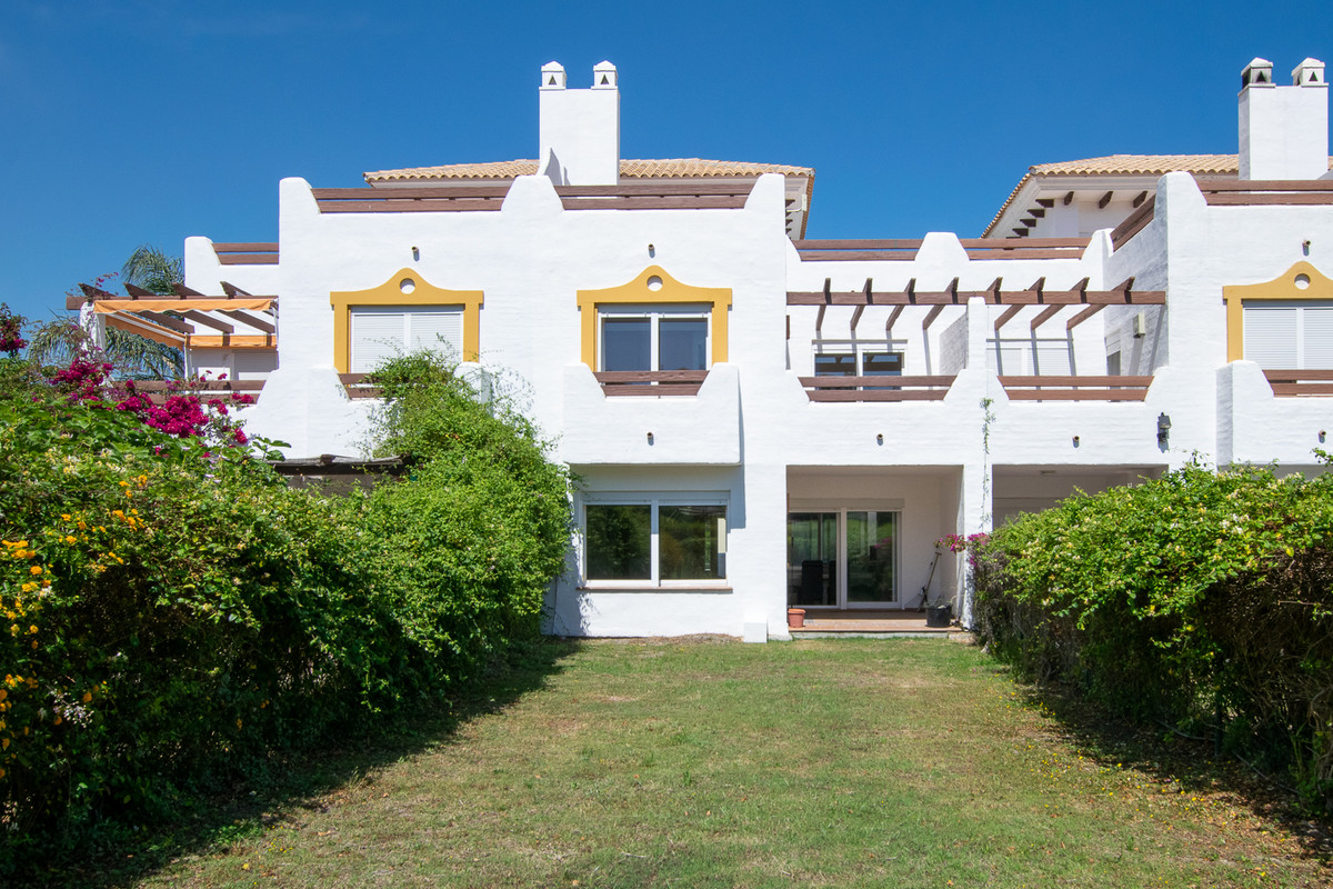 With a family-friendly location in fast-growing Estepona East, you will find this townhouse with thr, Spain