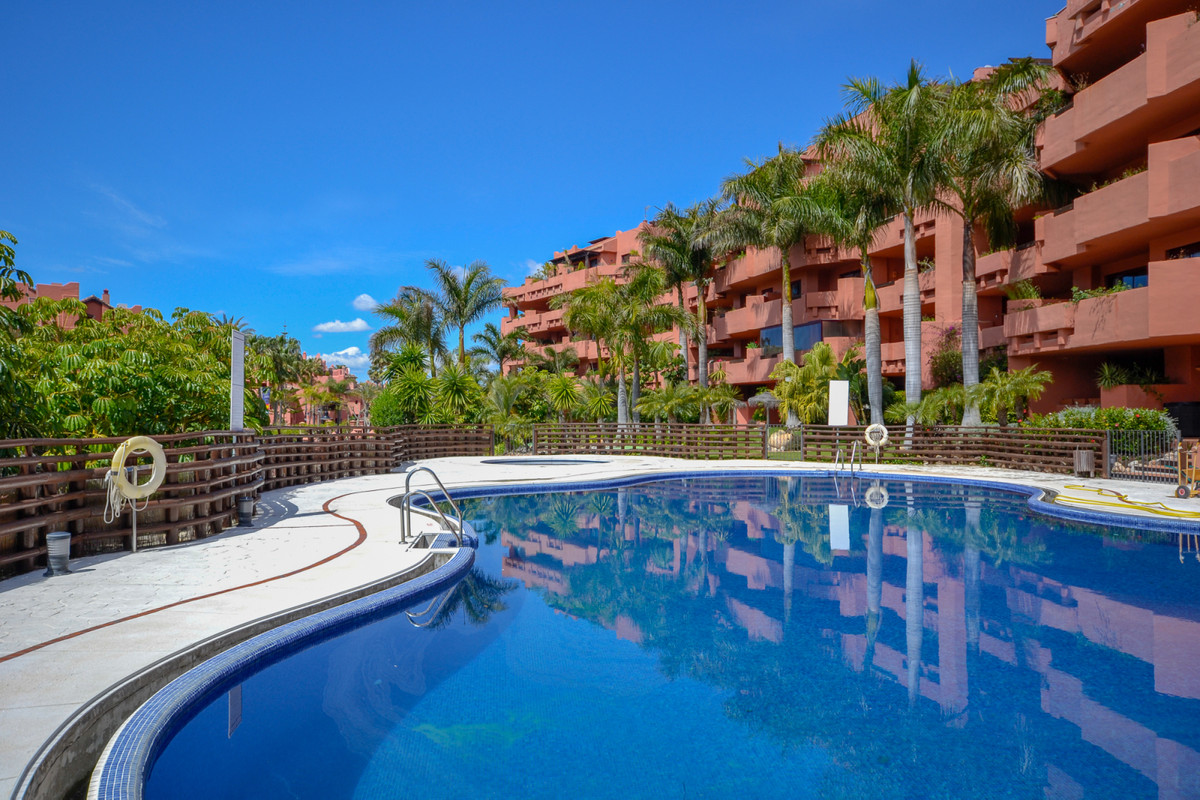 Very nice and spacious apartment with three bedrooms that is situated 300m to the sea and within wal,Spain