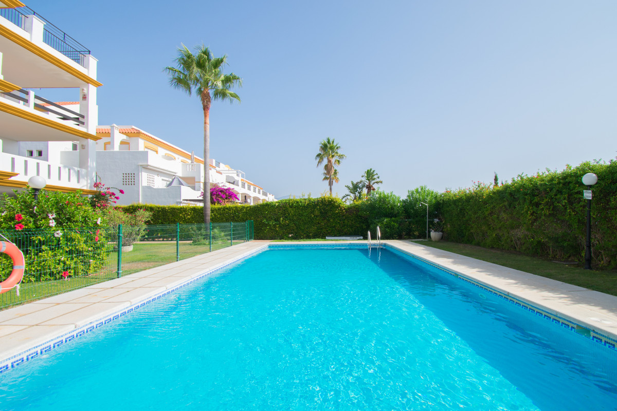 Apartment situated 1000 meter from the beach of La Duquesa, with beautiful sea views and a big terra,Spain