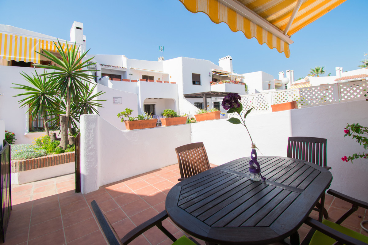 The apartment is situated in a beautiful urbanization next to the port of La Duquesa. At 20 meters a,Spain