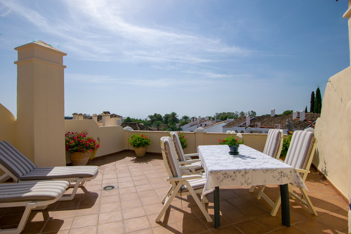 A superb penthouse with two bedrooms and two south facing terraces, one of which is a roof terrace w,Spain