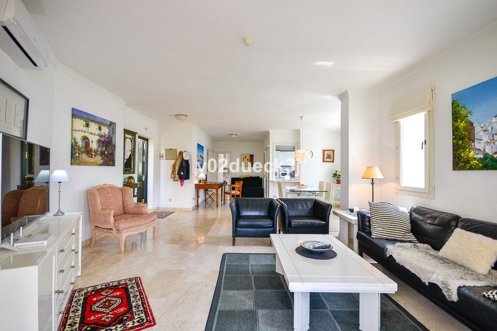 Apartamento en Venta en El Paraiso – R3195340