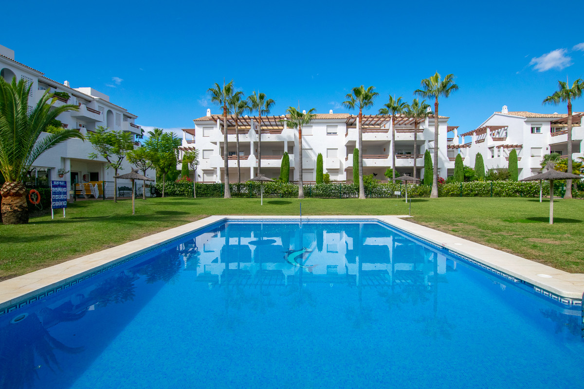 A spacious and nice penthouse with two bedrooms and three terraces, of which two terraces face south,Spain