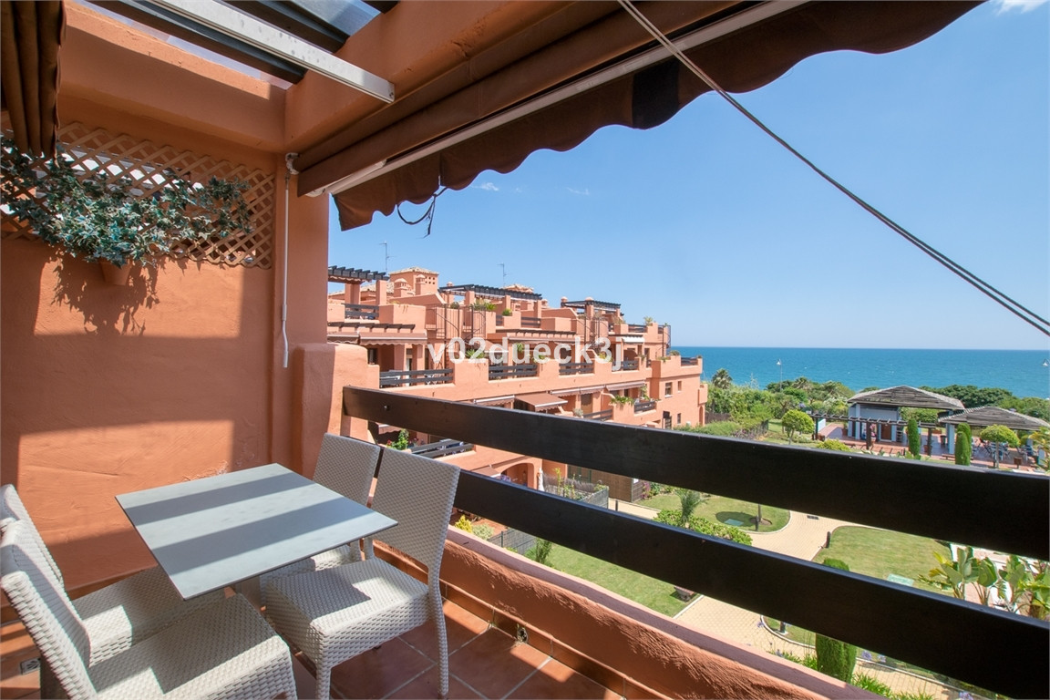 Ref:R3203059 Penthouse For Sale in Estepona