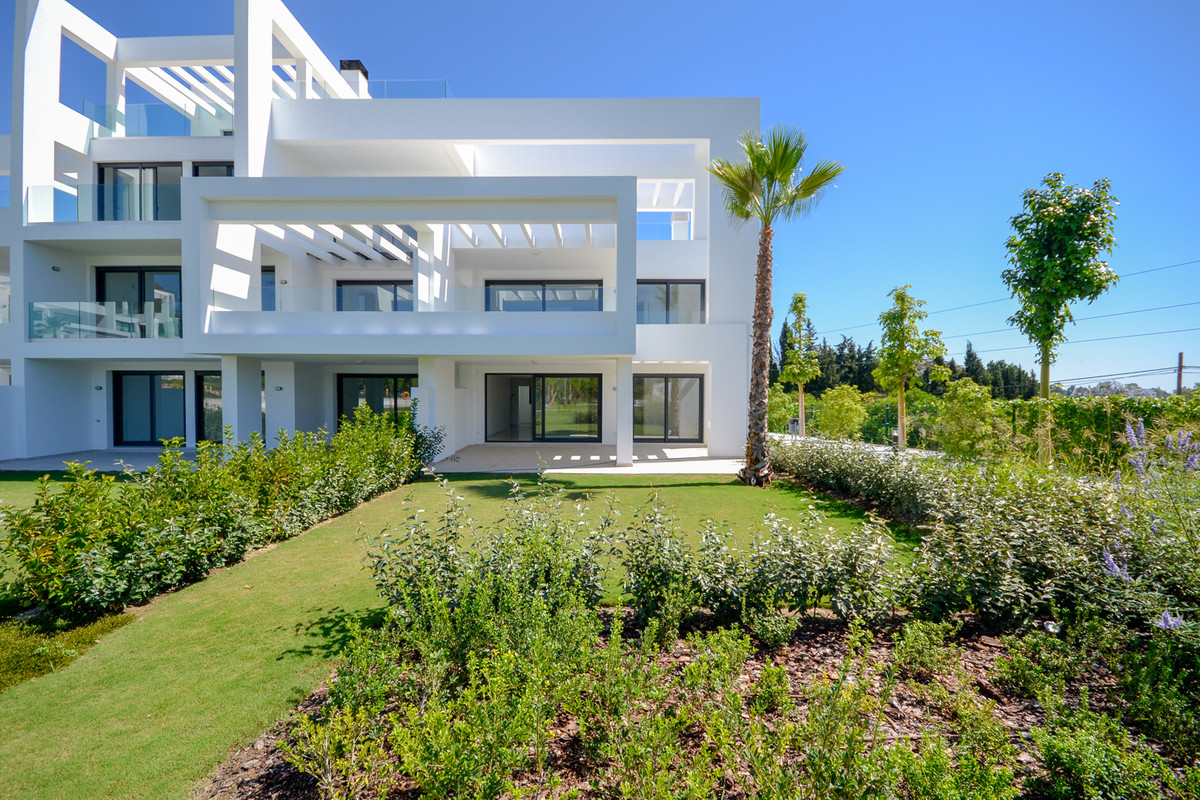 A newly built apartment with a contemporary design, in one of the best areas between Marbella and Be, Spain