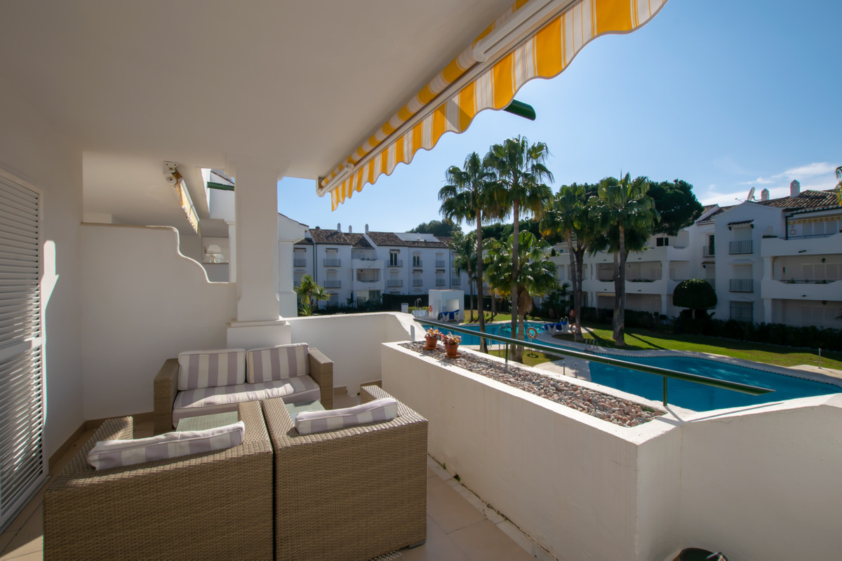 A warm welcome to a large and nice two-bedroom apartment situated only 400 meters from the sea in th,Spain
