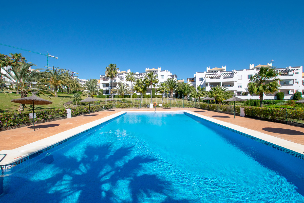 Here you are welcomed to a nice and spacious apartment with genuine Spanish architecture. A well-pla,Spain