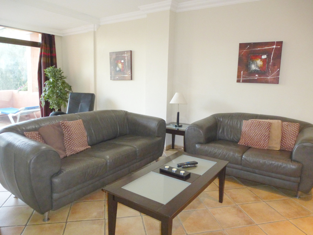 Apartment in New Golden Mile