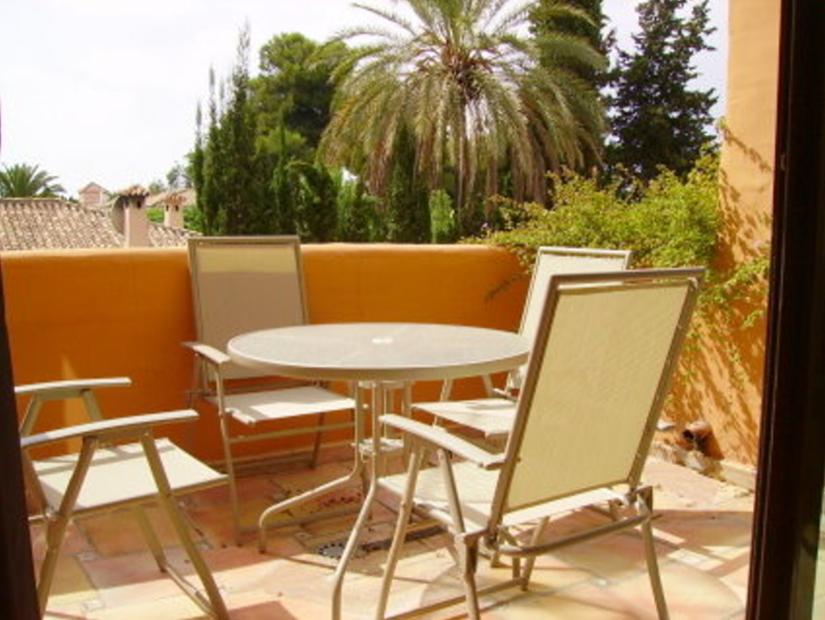 Apartamento Planta Media en Venta en El Paraiso – R3418453