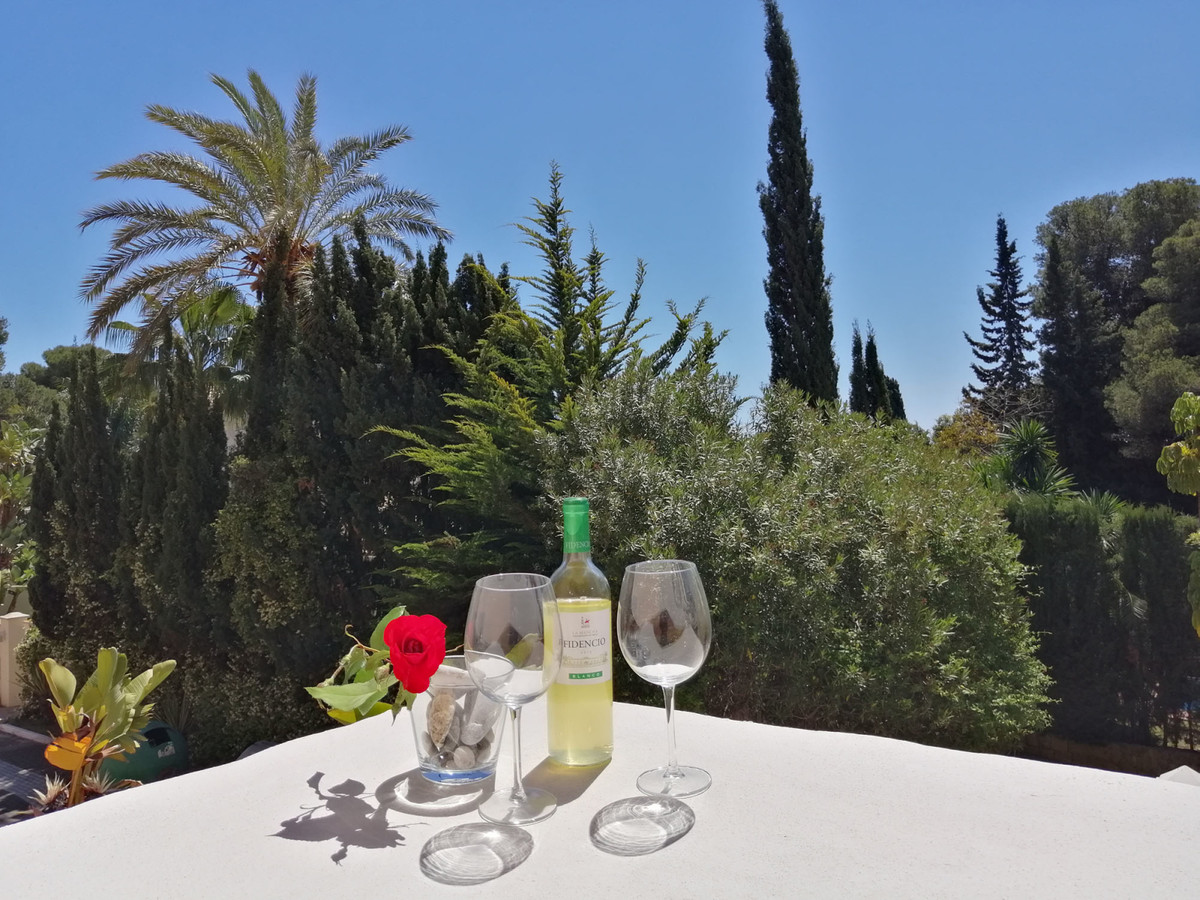 Marbella Banus Apartamento Planta Media en Venta en New Golden Mile – R3463525