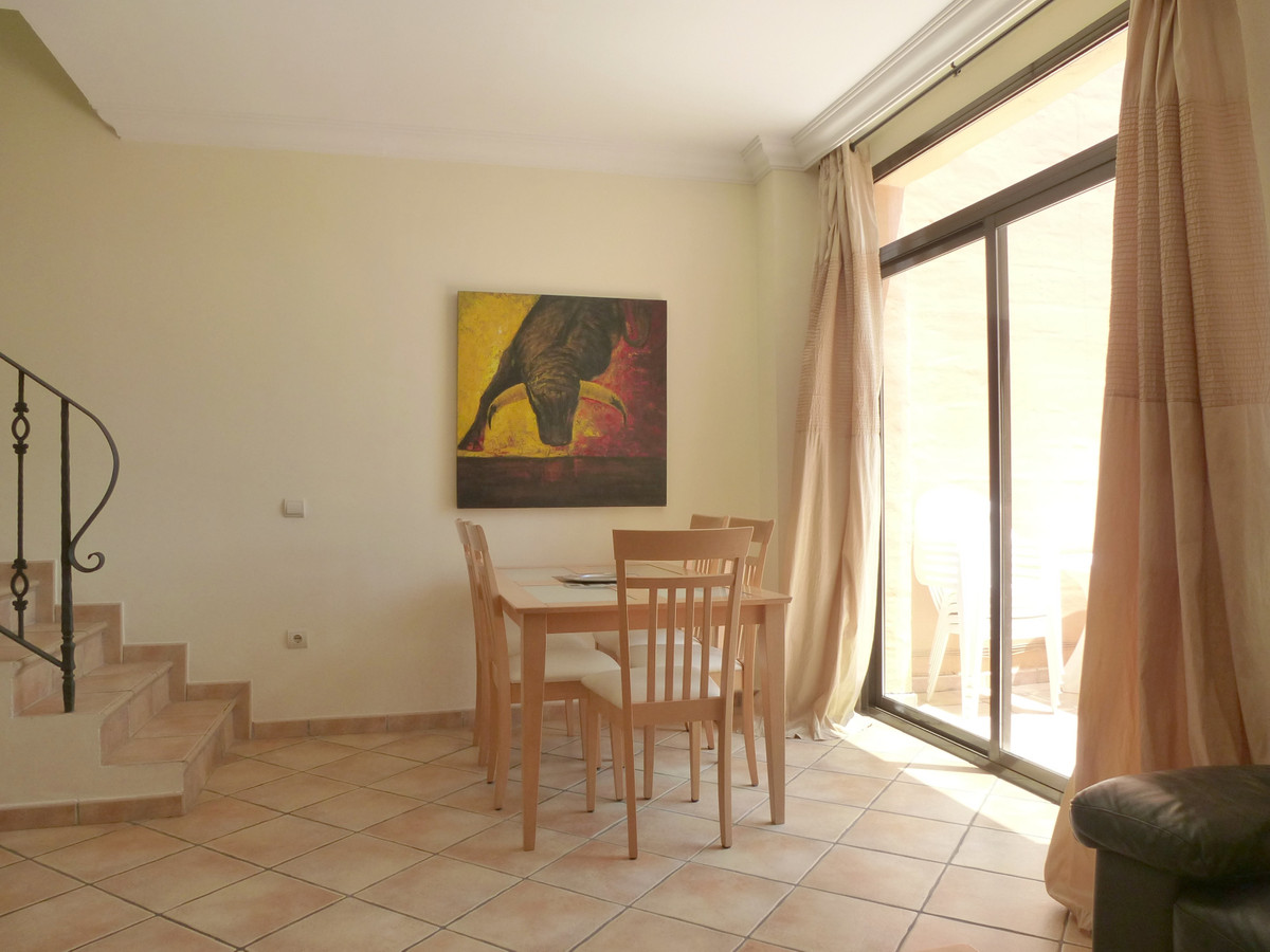 Apartment Penthouse in New Golden Mile, Costa del Sol
