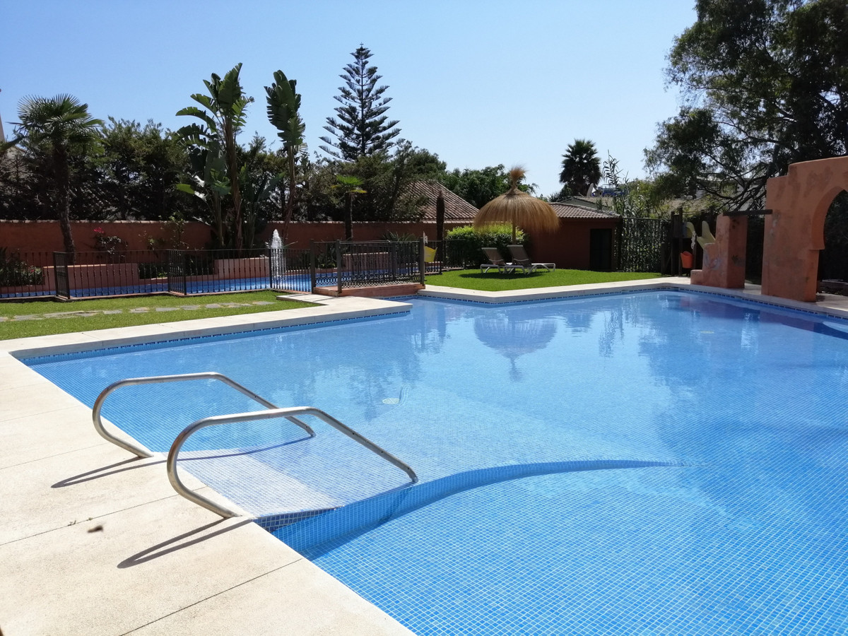 BEACHSIDE!  11 individual Apartment Suites in Hotel complex, El Paraiso Beach Side, New Golden Mile., Spain