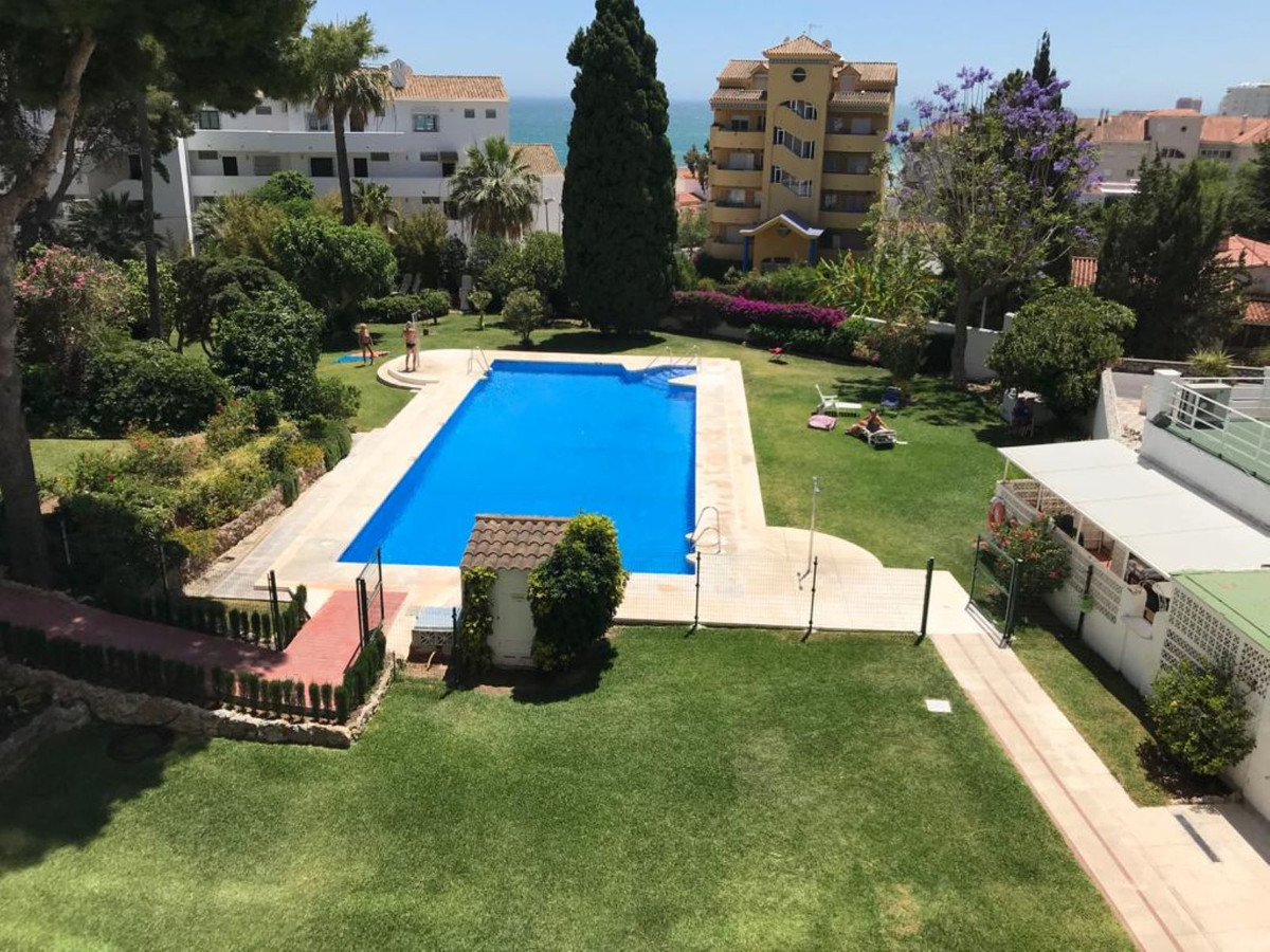 Beautiful apartment completely renovated and furnished, kitchen, bathroom with walk-in shower. The t,Spain
