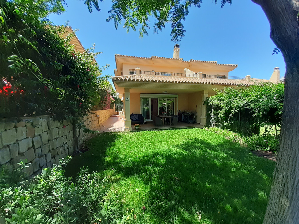 BEAUTIFUL PROPERTY!! Immaculate semi-detatched house. Situated in a very sought after, gated complex,Spain